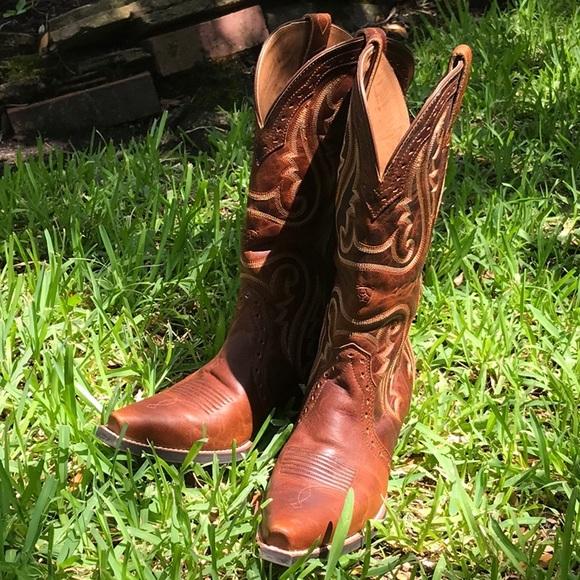 77652de3785 Brand new Ariat ladies cowboy boots!